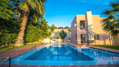 Piscina di Meliades Villas o nelle vicinanze