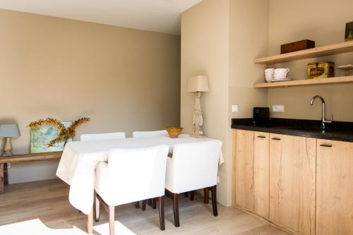 A kitchen or kitchenette at Park Appartement