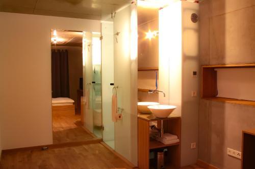 Ein Badezimmer in der Unterkunft Haus 12 Zimmer