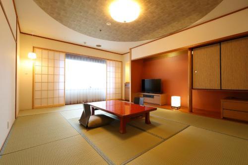 Table tennis facilities at Karasuma Kyoto Hotel or nearby