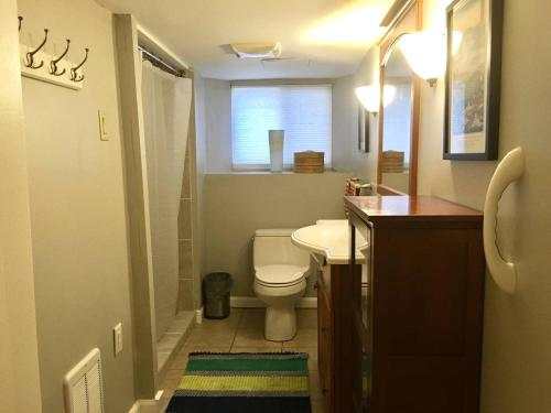 A bathroom at ~*Pet Friendly 30min to Downtown*~ THE BOSTONIAN