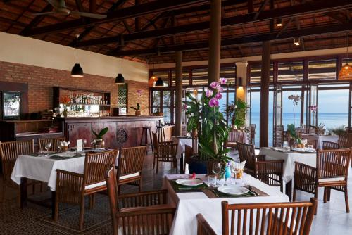 A restaurant or other place to eat at Mai House Resort