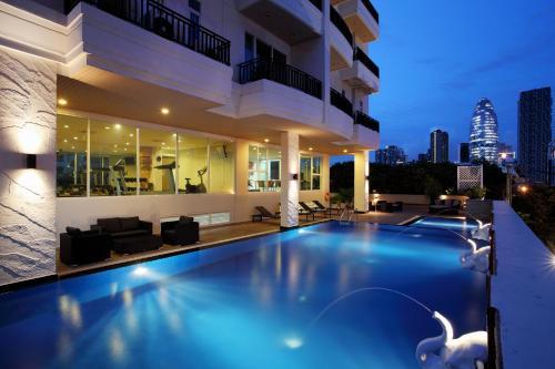The swimming pool at or near Bangkok Patio