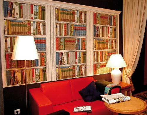 Die Bibliothek im Hotel