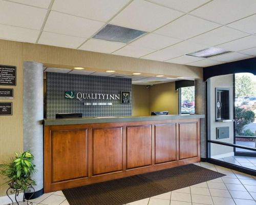 The lobby or reception area at Quality Inn Troutville - Roanoke North