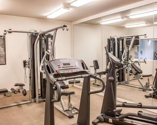 The fitness center and/or fitness facilities at Comfort Inn & Suites Ocean Shores