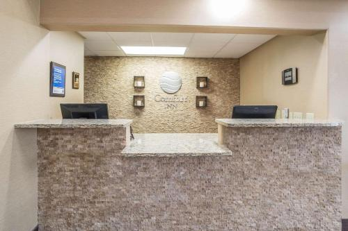 The lobby or reception area at Comfort Inn Grand Junction I-70