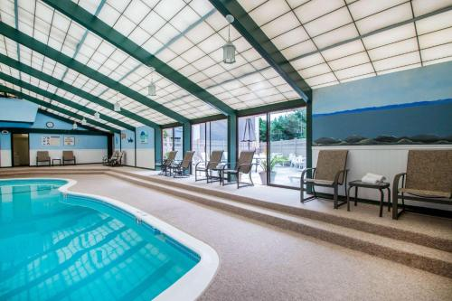 The swimming pool at or near Quality Inn Old Saybrook - Westbrook
