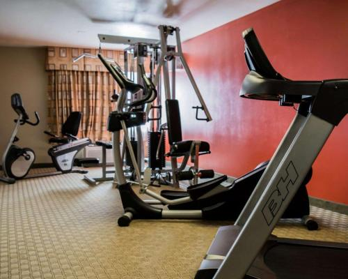 The fitness center and/or fitness facilities at Quality Inn & Suites Near Fairgrounds & Ybor City