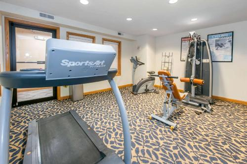 The fitness center and/or fitness facilities at Quality Inn Seymour I-65