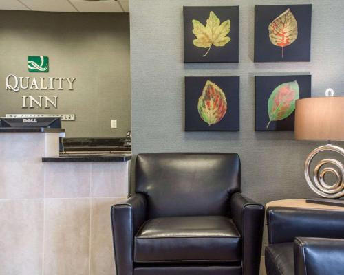 The lobby or reception area at Quality Inn Geneseo