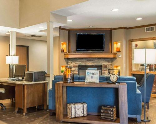 The business area and/or conference room at Comfort Inn North/Polaris
