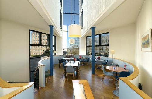 A restaurant or other place to eat at Apart Hotel Randwyck