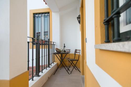 A balcony or terrace at Casa da Rua do Valasco centro histórico de Evora