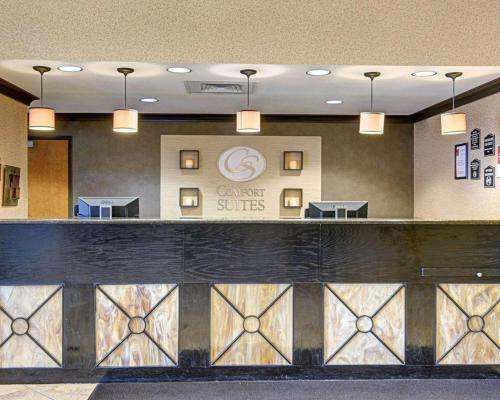 The lobby or reception area at Comfort Suites Conway