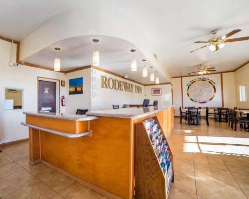 The lobby or reception area at Rodeway Inn at Lake Powell