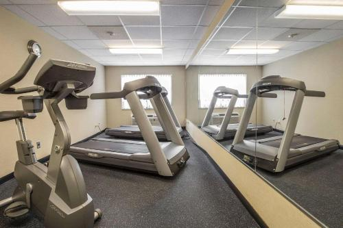 The fitness center and/or fitness facilities at Comfort Inn Pickering