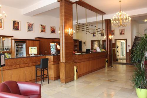 The lobby or reception area at Hotel Niedersächsischer Hof