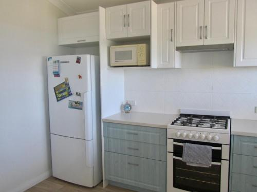 A kitchen or kitchenette at Storm Bay View