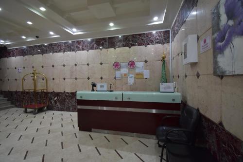 Um banheiro em Zwarah Hotel Suites