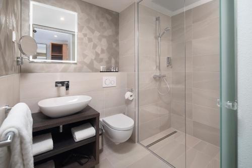 A bathroom at Inntel Hotels Utrecht Centre