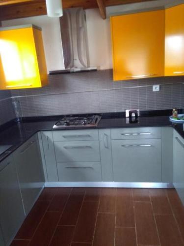 A kitchen or kitchenette at Impasse du Paradou