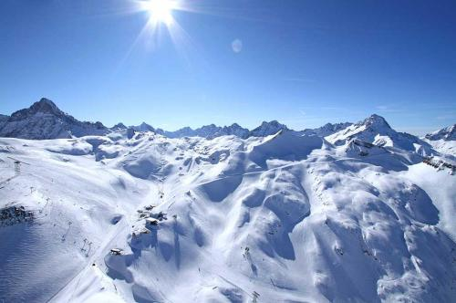 Le Montana during the winter