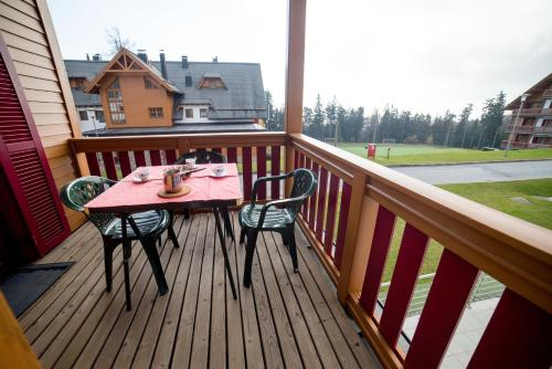 A balcony or terrace at Apartment Bolfenk Pohorje