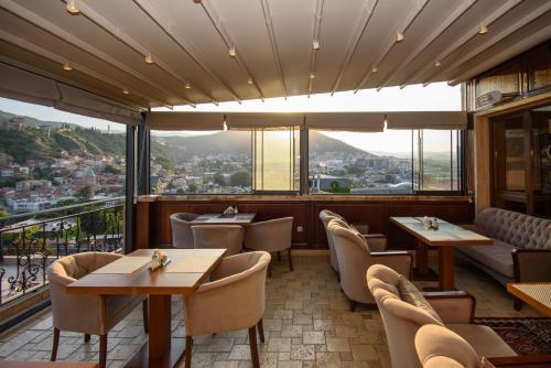 Ресторан / где поесть в KMM Hotel