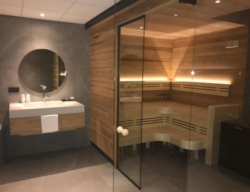 A bathroom at Van der Valk Hotel Leeuwarden