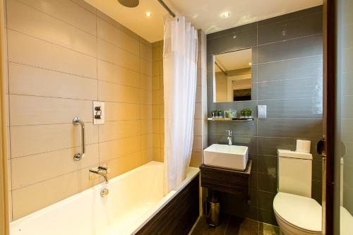 A bathroom at Maltsters