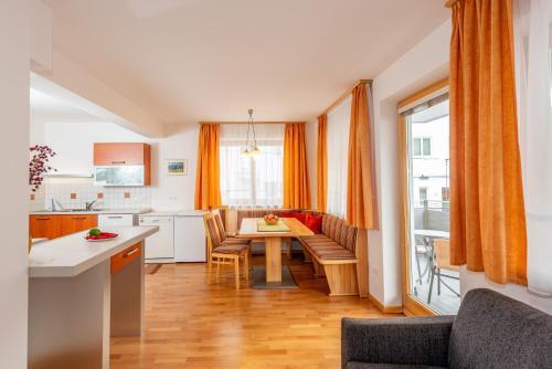 Kuchyň nebo kuchyňský kout v ubytování Appartementhaus Steirergasse by Schladming-Appartements