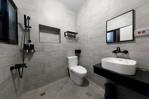 A bathroom at Slow Inn