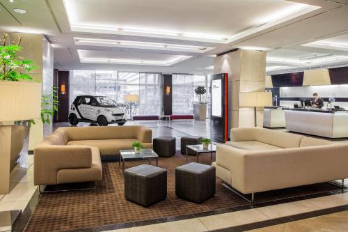The lobby or reception area at Pullman Dresden Newa