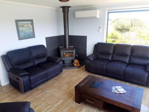 A seating area at Ocean View Cottage