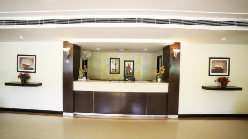 The lobby or reception area at Hotel Rajavihar
