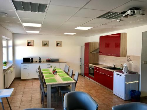 A kitchen or kitchenette at Guesthouse Piller