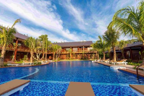 The swimming pool at or near Phu Quoc Bambusa Resort