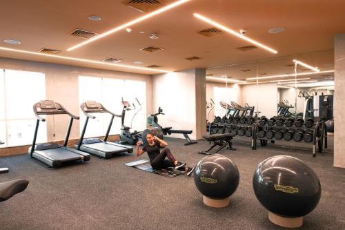 Фитнес-центр и/или тренажеры в Stella Di Mare Dubai Marina Hotel
