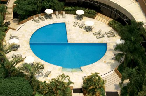 A view of the pool at Hotel Transamerica São Paulo or nearby