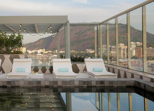 The swimming pool at or near Yoo2 Rio de Janeiro by Intercity
