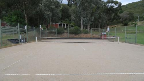 Tennis and/or squash facilities at The Black Sparrow or nearby