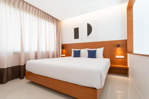 A bed or beds in a room at Barayan place