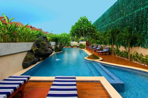 The swimming pool at or close to Rhadana Hotel