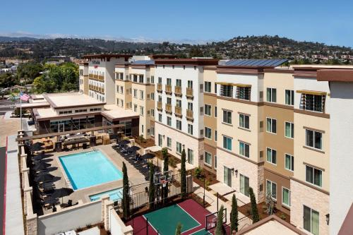 A view of the pool at Residence Inn by Marriott Redwood City San Carlos or nearby