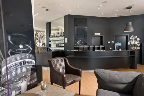 The lounge or bar area at Days Inn Dessau
