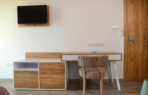 A television and/or entertainment center at Hypnos by bed N' mix