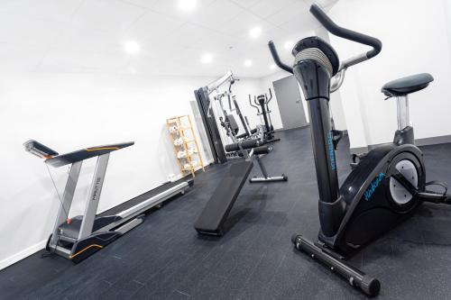 The fitness center and/or fitness facilities at ibis Styles Avignon Sud