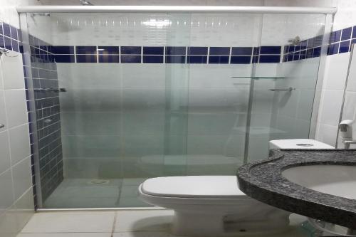 A bathroom at Juazeiro Residence Hotel