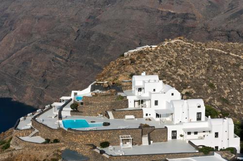 A bird's-eye view of Aenaon Villas